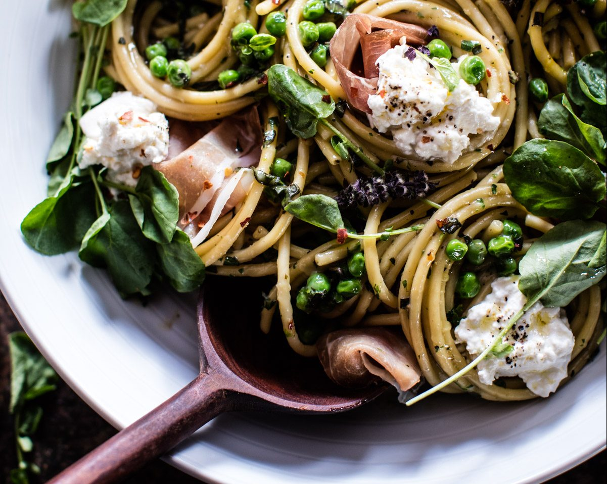 Spring pasta with Peas, Prosciutto and Burrata