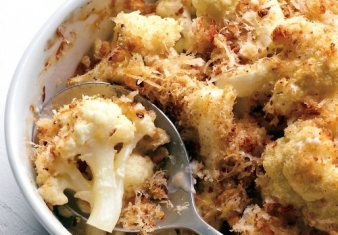 Cauliflower cheese with breadcrumbs and parmesan