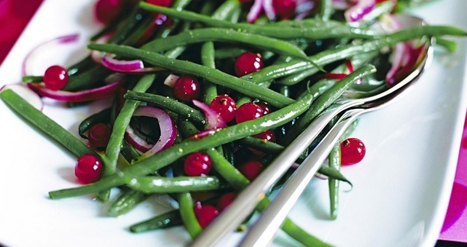 Green Beans and red currant salad