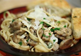 Mushroom linguine